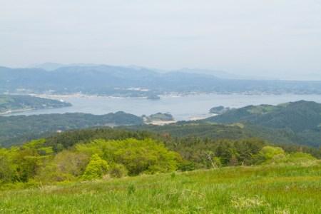 頂上付近からは志津川湾がくっきり!