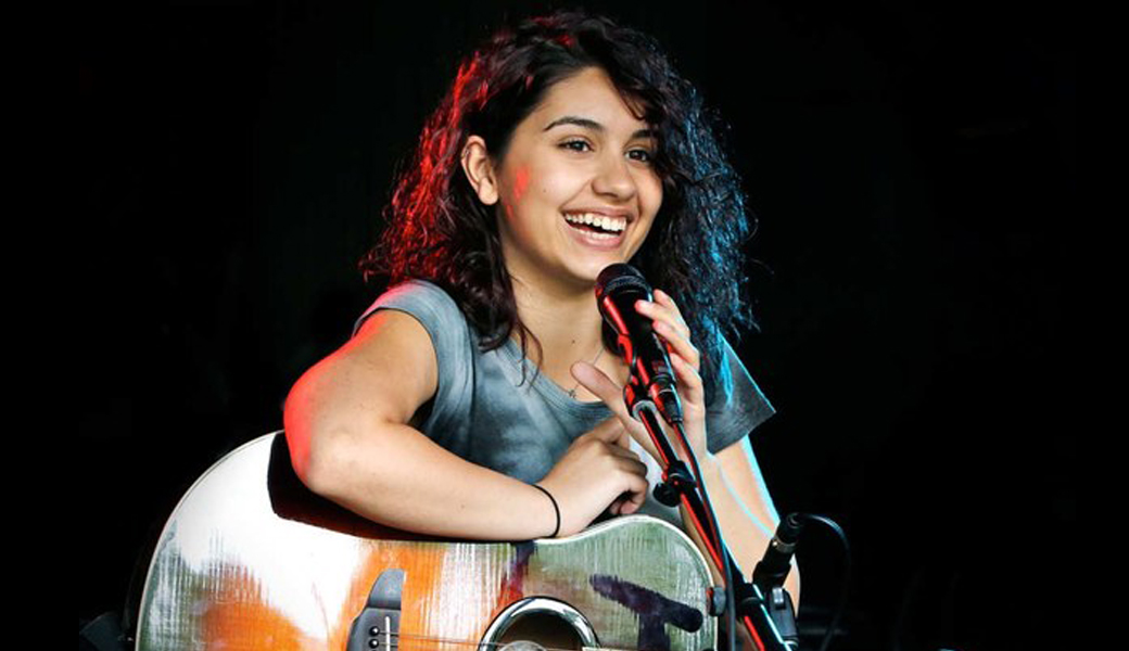 One to Watch Alessia Cara M2woman : alessia cara from m2woman.co.nz size 1040 x 600 jpeg 92kB