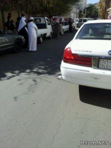 """أولياء أمور غاضبون من احتجاز بناتهم بـ """"الثانوية 14"""" في الطائف"""