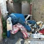 """بيت مهجور يهدِّد سلامة 200 طالب بـ """"ابتدائية"""" في الطائف"""