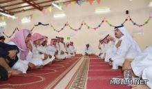 مدير تعليم القصيم يلتقي بطلابه في مصلى المدرسة لمناقشة معاناتهم