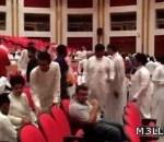 """بالفيديو.. انسحاب جماعي لطلاب جامعة اليمامة من محاضرة لعضو الشورى """"البليهي"""" اعتراضاً على أطروحاته"""