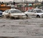 السيول تصيب السعودية والكويت بالشلل التام