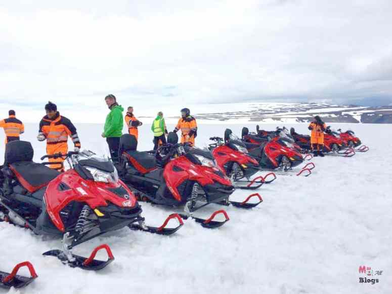 snowmobiling-in-iceland