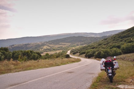 Griechenland: Langsam nimmt die Landschaft südlichere Züge an