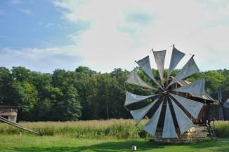Traditionelle Windmühle im historischen Museum