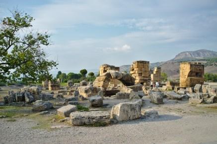 Pamukkale: Die Ruinen der alten Badehäuser