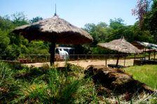 Die Wasserfälle nahe Thika, hier hat sich eines der wenigen Touristen Resorts niedergelassen
