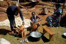 Auf dem Land weiß man sich noch selbst ums Essen zu kümmern, die Familie schlachtet uns zu Ehren am letzten Tag