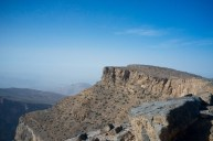 Ein kleiner Canyon durchzieht die Berge nahe des Jebel Shams