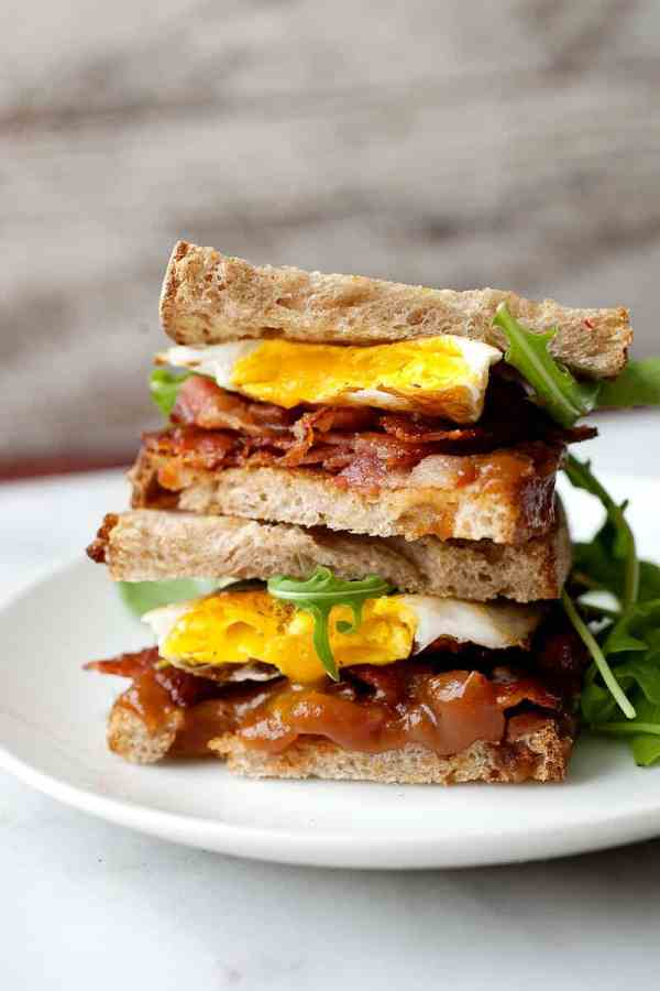 Apple Butter Breakfast Sandwich: A perfect savory and sweet breakfast sandwich that just takes a few minutes to make. You've never had a breakfast sandwich like this! | macheesmo.com