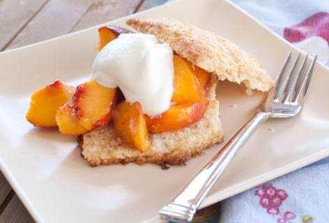 Double Ginger Biscuits with Peaches