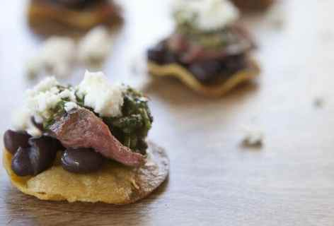 Steak Tostada Bites