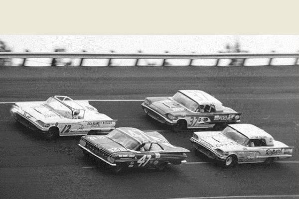 1959 Thunderbird 12 at Daytona