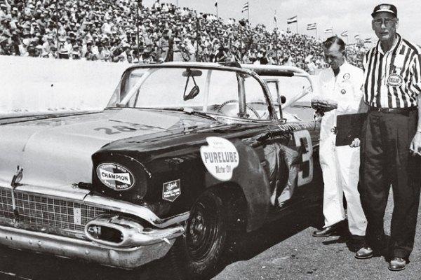 Cotton Owens 3 1958 Pontiac Darlington