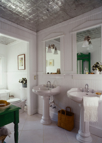 Can I Use Wallpaper In My Bathroom? - Mad About The House
