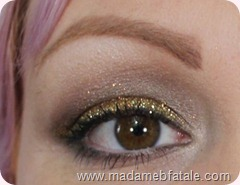 neautral glittery eye makeup