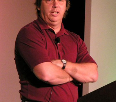 AMD Contrata a Jim Keller ex ingeniero de Apple como jefe del grupo de procesadores.