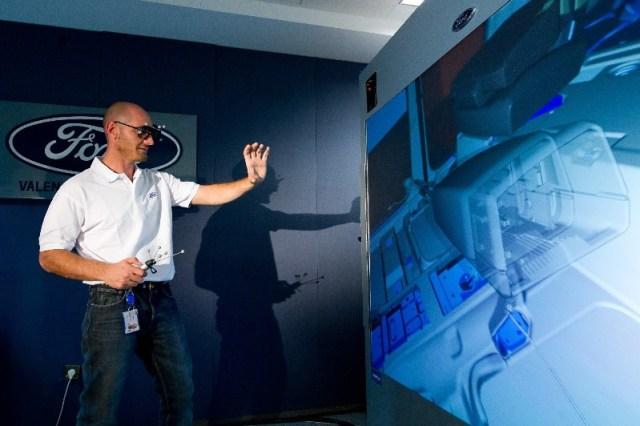 ford-almussafes-apuesta-por-la-realidad-virtual-3d-201210869_1