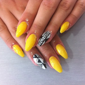Le-trendy-nail-bar-bar-a-ongle-institut-beaute-six-fours-sanary-la-seyne-UV-blog-avis09