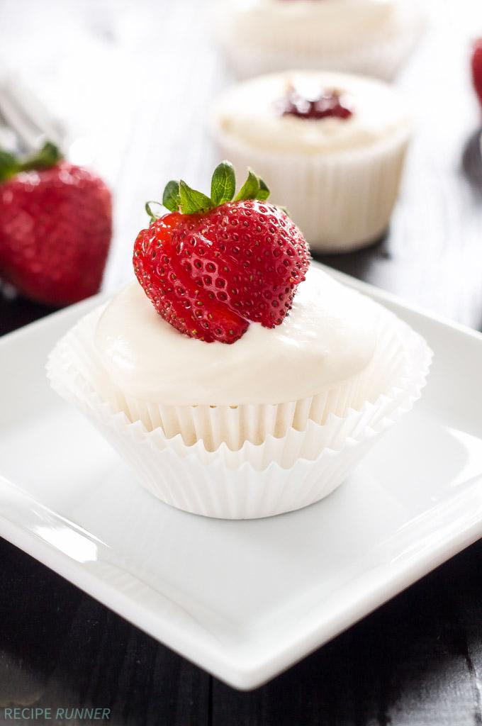 StrawberryFilledAngelFoodCupcakes2