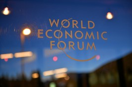 12090224624_99a101b591_b_world-economic-forum