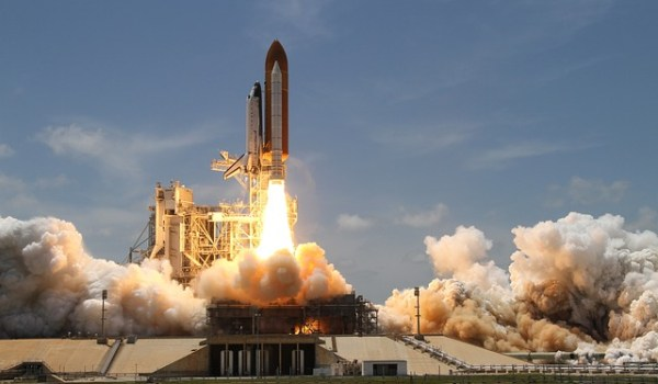 rocket-launch-67723_640