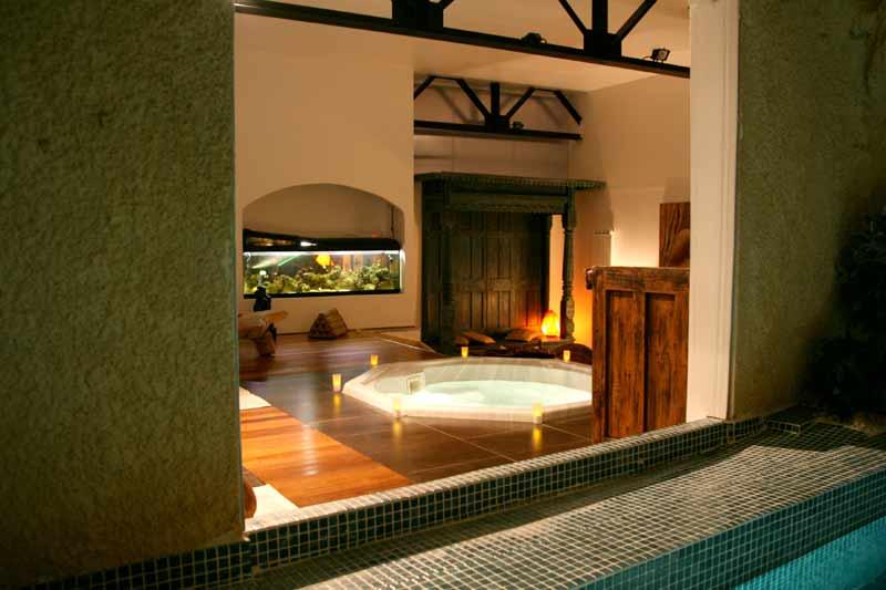 Chambres d 39 h tes vendre provence centre historique salon de provence for Hotel jacuzzi privatif lorraine