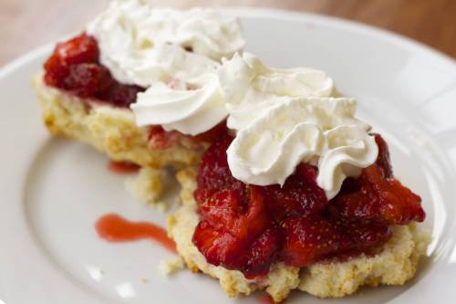 Medium Of Bisquick Strawberry Shortcake