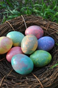 Easy Marbled Easter Eggs Tutorial