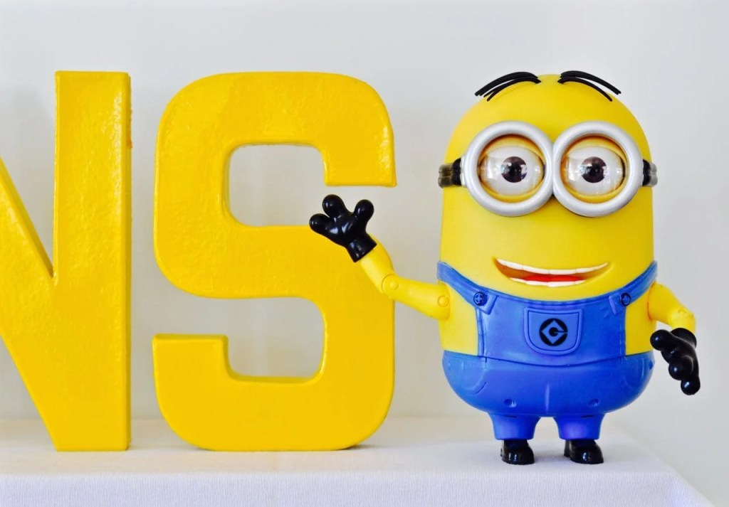 DIY Minions Party Decorations