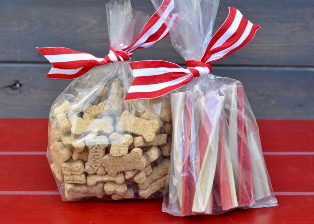 DIY dog gift basket for Christmas