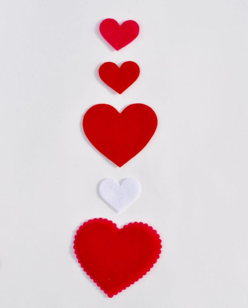 How to make a heart mobile