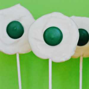 Green Eggs and Ham Chocolate Lollipops for Dr. Seuss' Birthday