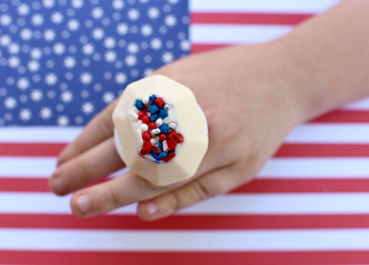 DIY Ring Pops Fourth of July Treat