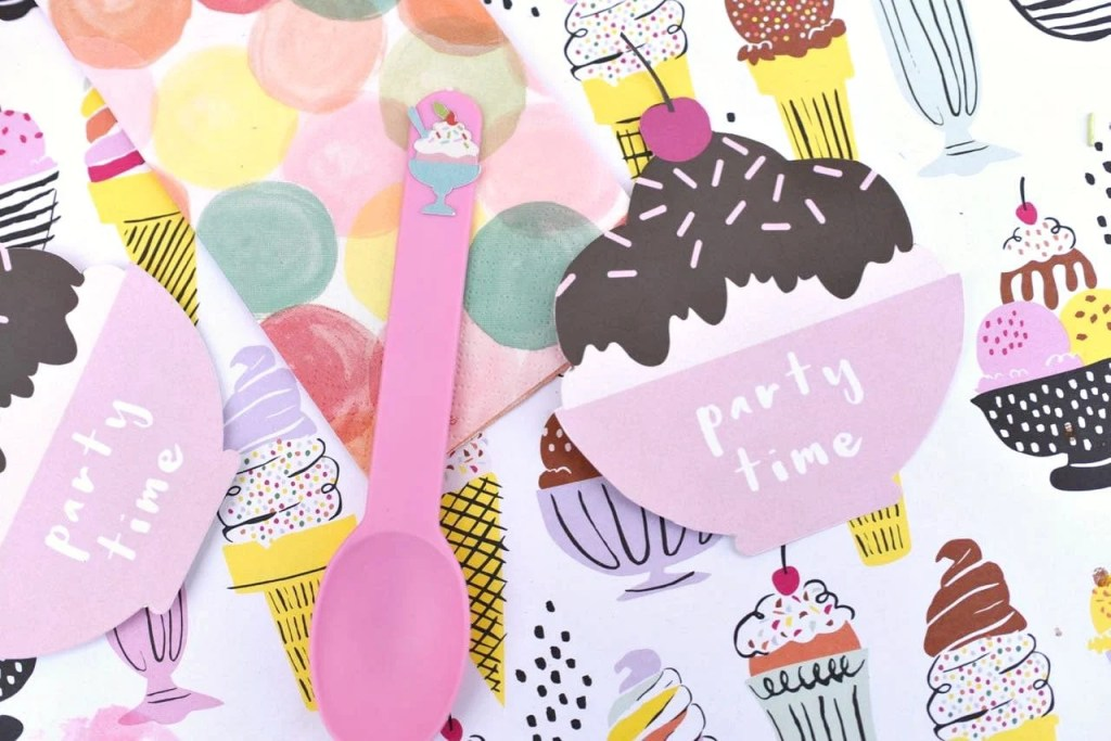 Ice cream party invitations with Cricut Explore print and cut feature