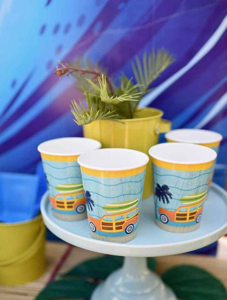 Surfer party table woody cups