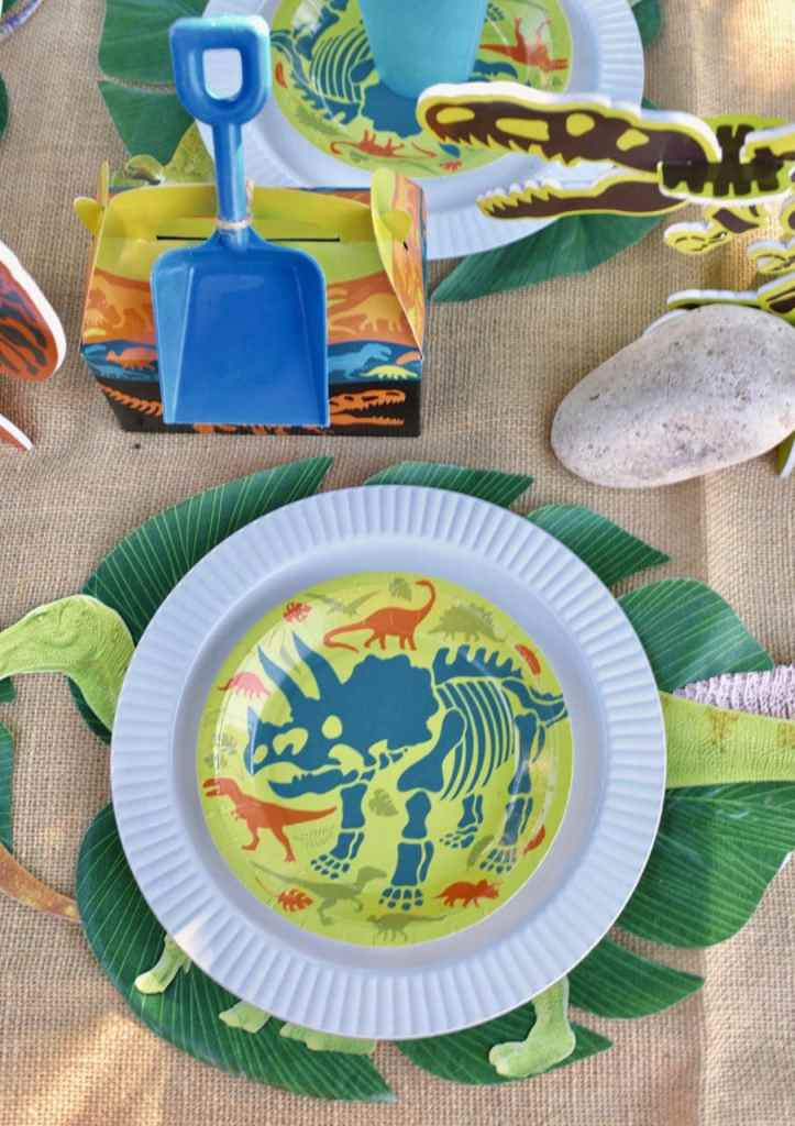 Dinosaur party place setting at kids table