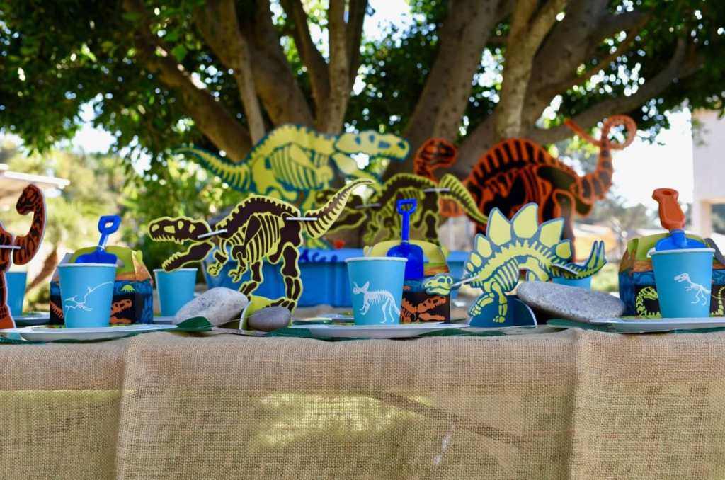 Dinosaur party table with Oriental Trading