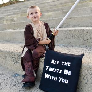 Star Wars Halloween Trick or Treat Bag DIY with the Cricut Maker