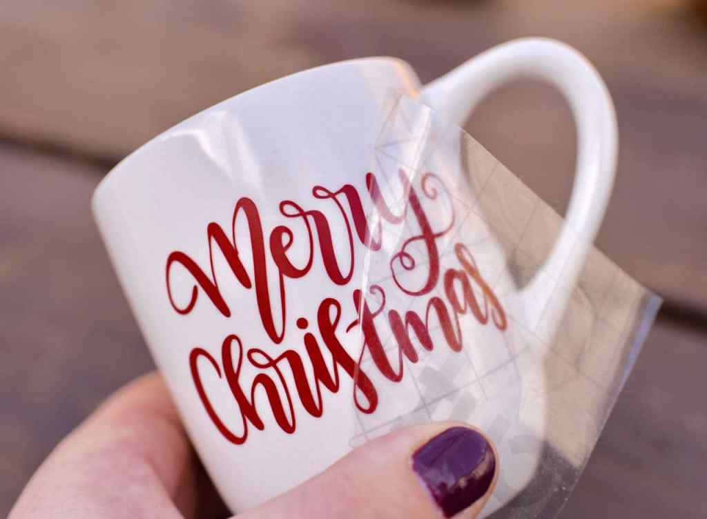 DIY vinyl mug with Cricut for hot cocoa gift basket