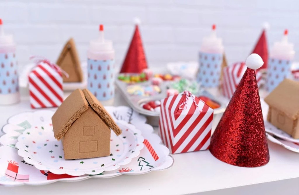 How to host a gingerbread house decorating party-2