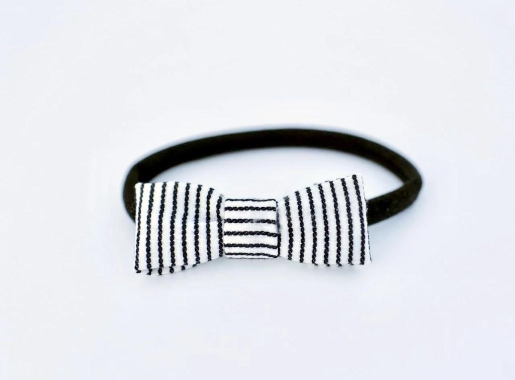 Cute DIY hair bow headbands no sew in just a few minutes!
