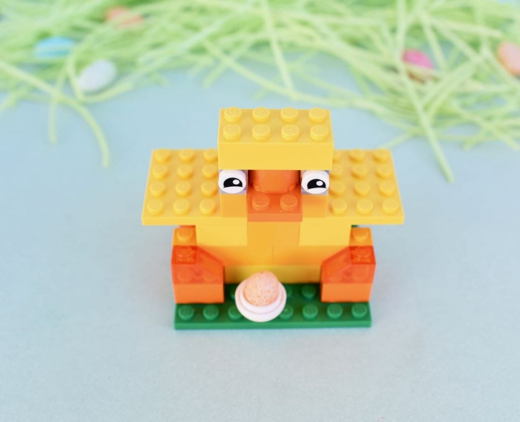 How to make a LEGO chick for Easter