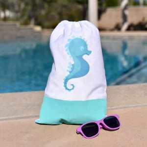Beach Bag DIY with Cricut in Under 5 Minutes… Really!
