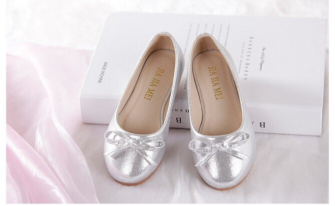 Stylish Elegant ballerinas ballet that add to your style India dance