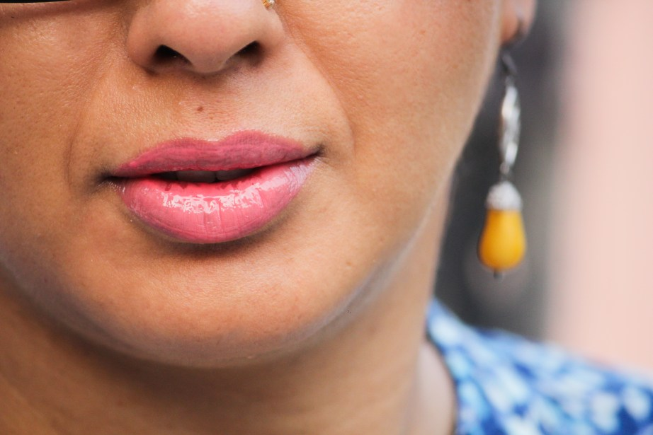 L'Oreal Infallible Mega Gloss Fight For It Shade 109 Review Swatches aarti kapur singh lips