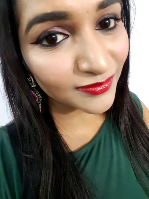 SUGAR Stroke Of Genius Heavy Duty Kohl 01 Back To Black Review Swatches Astha Goel mbf