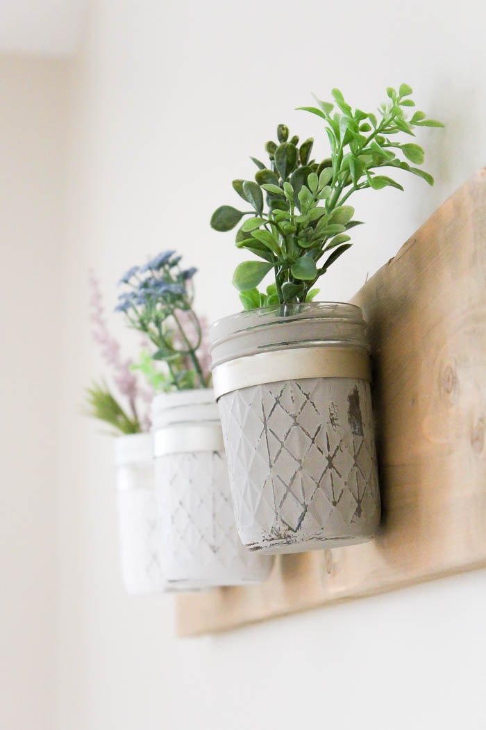 DIY Rustic Farmhouse Mason Jar Planter