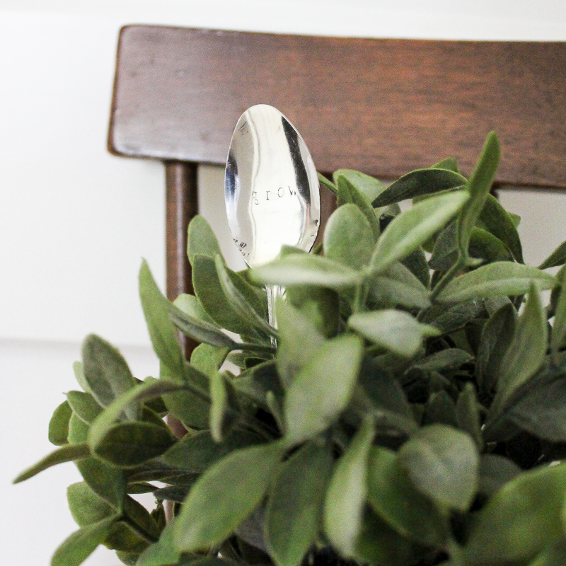 10 Minute Decorating: DIY Stamped Spoon Plant Markers